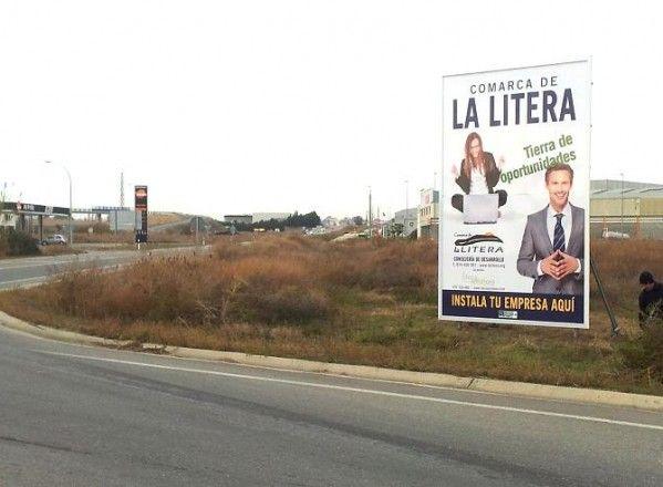 La Comarca de La Litera coloca una valla publicitaria en el Polígono El Sosal