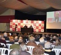 Aberasturi no dejó indiferentes a los más de doscientos asistentes al II Foro Somos Litera