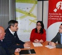 Las asociaciones de empresarios y comerciantes firman un convenio que apuesta por la imagen de los mismos en internet