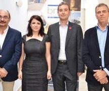 Alfonso Adán presenta su candidatura acompañado por los máximos dirigentes del PSOE en Aragón
