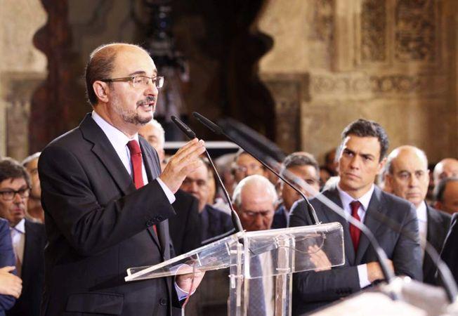 Lambán muestra su profundo malestar por la última andanada procedente de la Generalitat