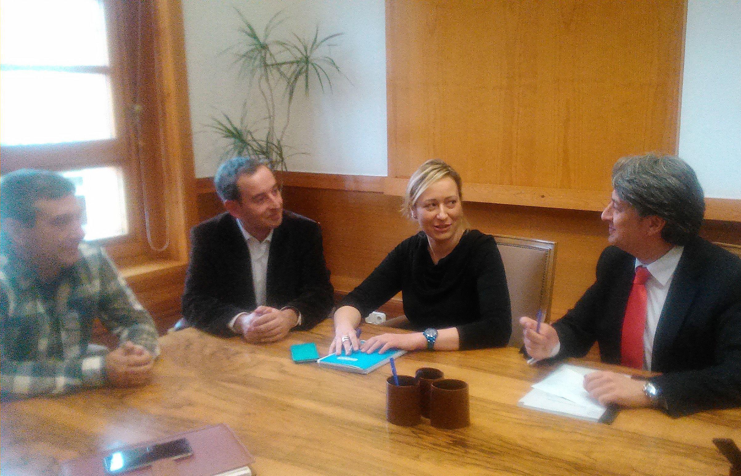 Binéfar busca el apoyo del GA para mejorar los servicios generales a empresarios y comerciantes