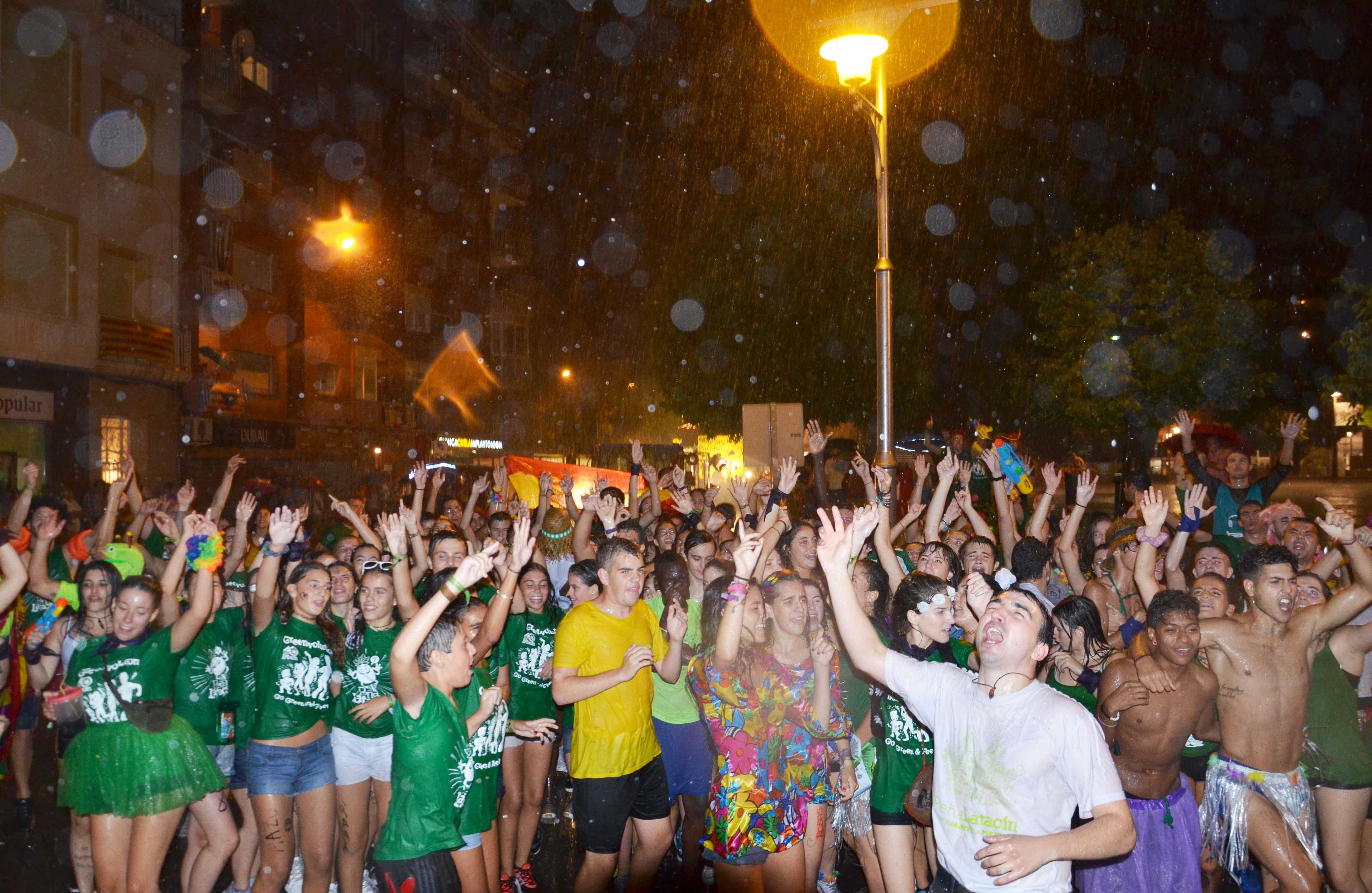 La lluvia no pudo con el inicio de las Fiestas Mayores de Binéfar