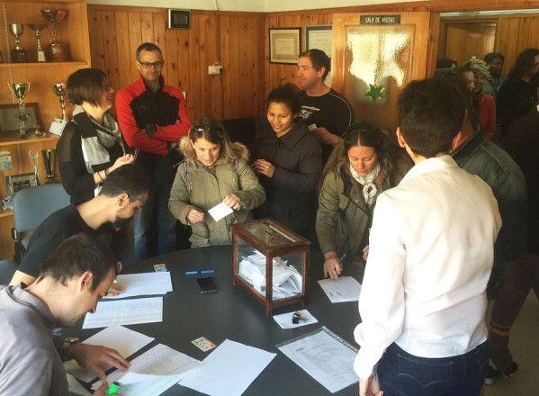 Los padres y madres del CEIP Víctor Mendoza dan luz verde al nuevo proyecto educativo