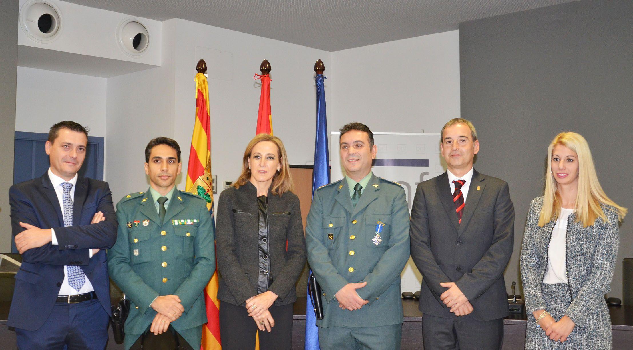 El sargento 1º Jesús Alcántara recibe la Cruz de la Orden del Mérito Civil