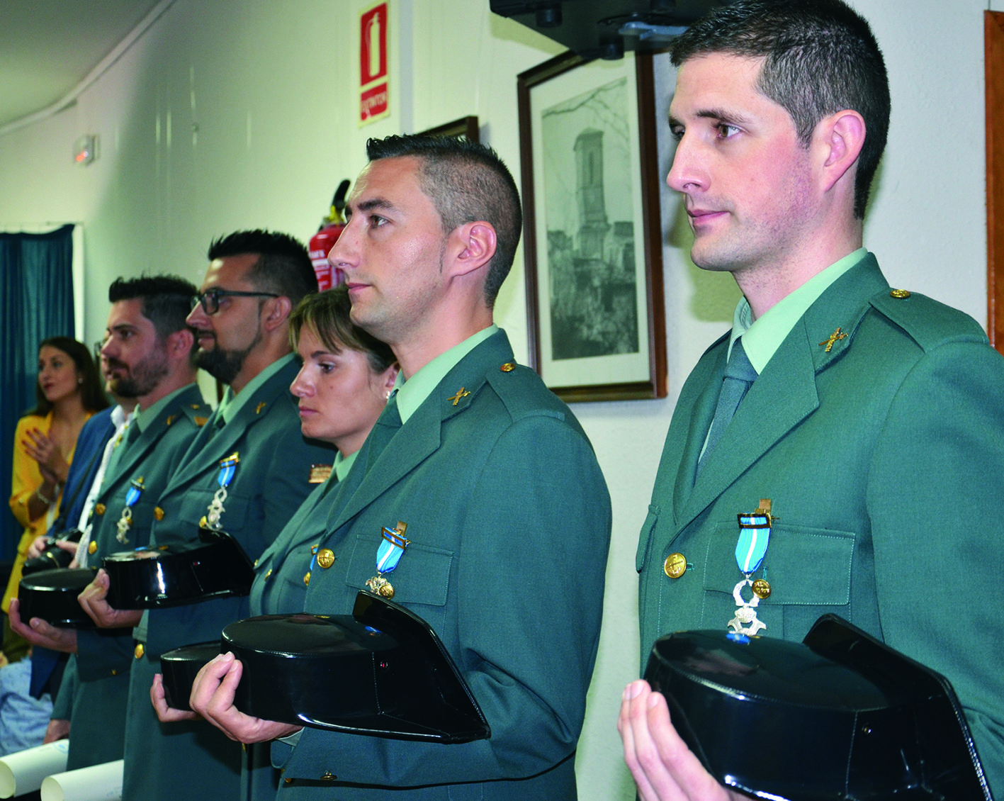 La Guardia Civil de Camporrells recibe la Cruz al Mérito Civil