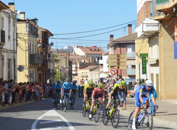 La Vuelta pasó y emocionó en Binéfar