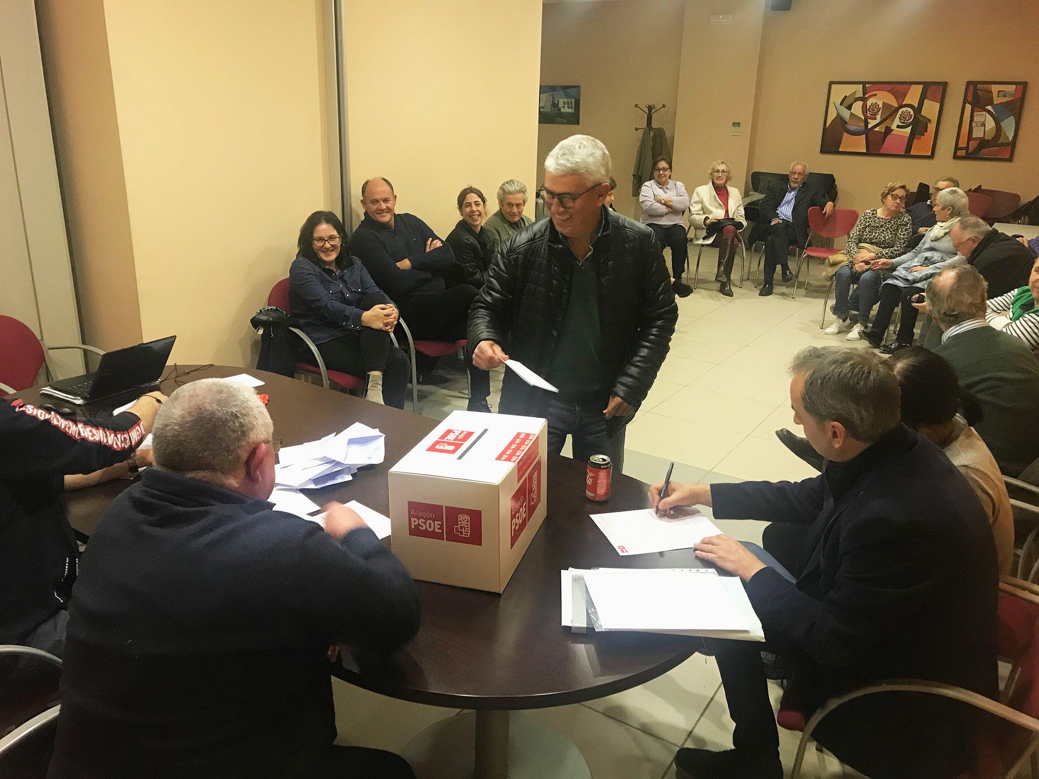 Alfonso Adán consigue el apoyo unánime de la agrupación local socialista