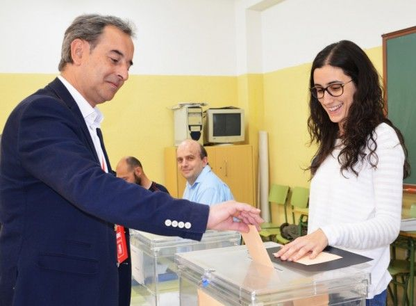 El PSOE roza la mayoría absoluta