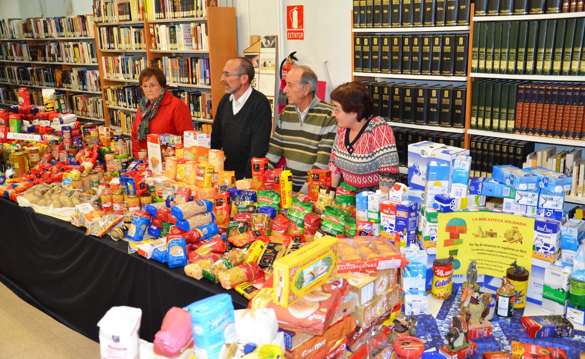 La Biblioteca de Tamarite se llena de solidaridad