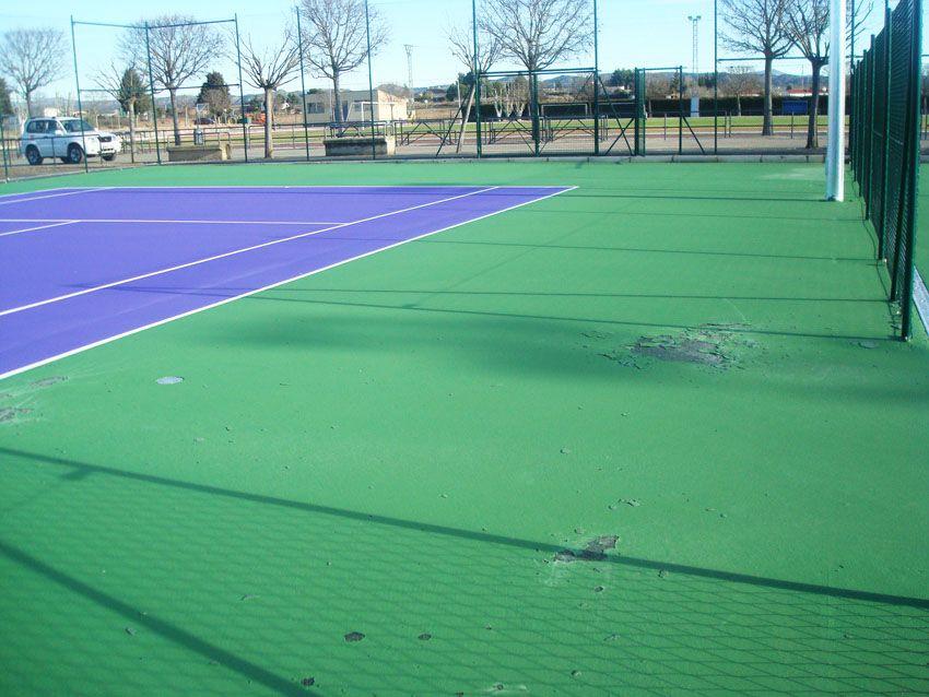 Aparecen deficiencias en las nuevas pistas de tenis de Binéfar