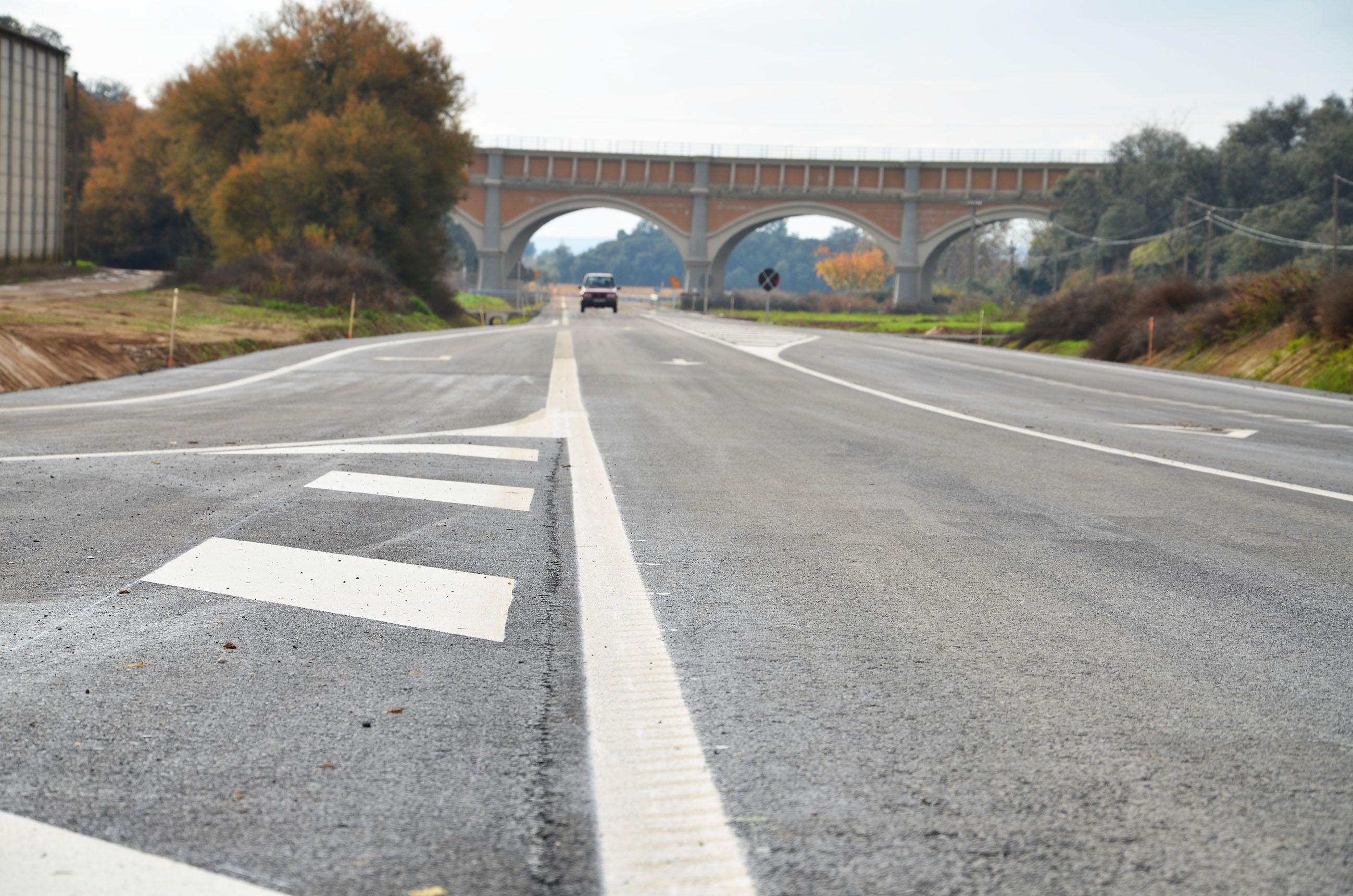 La carretera Binéfar-San Esteban presenta numerosas deformaciones en el piso