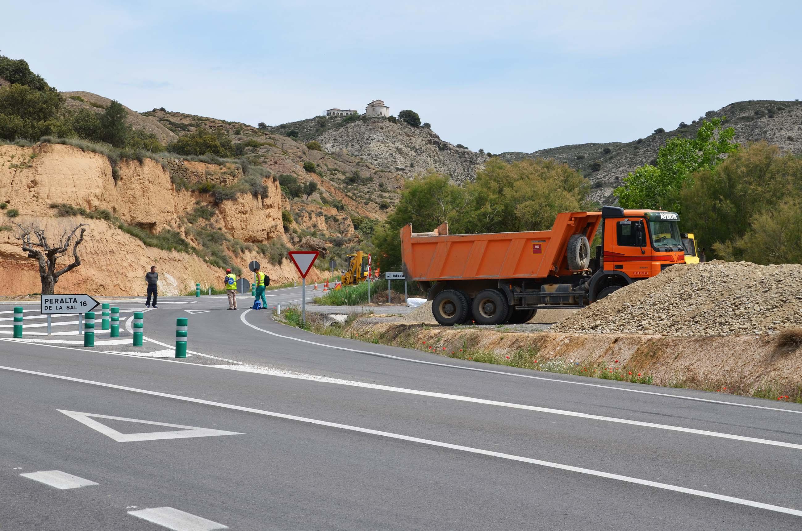 Iniciadas las obras de reparación en la carretera de Binéfar a San Esteban