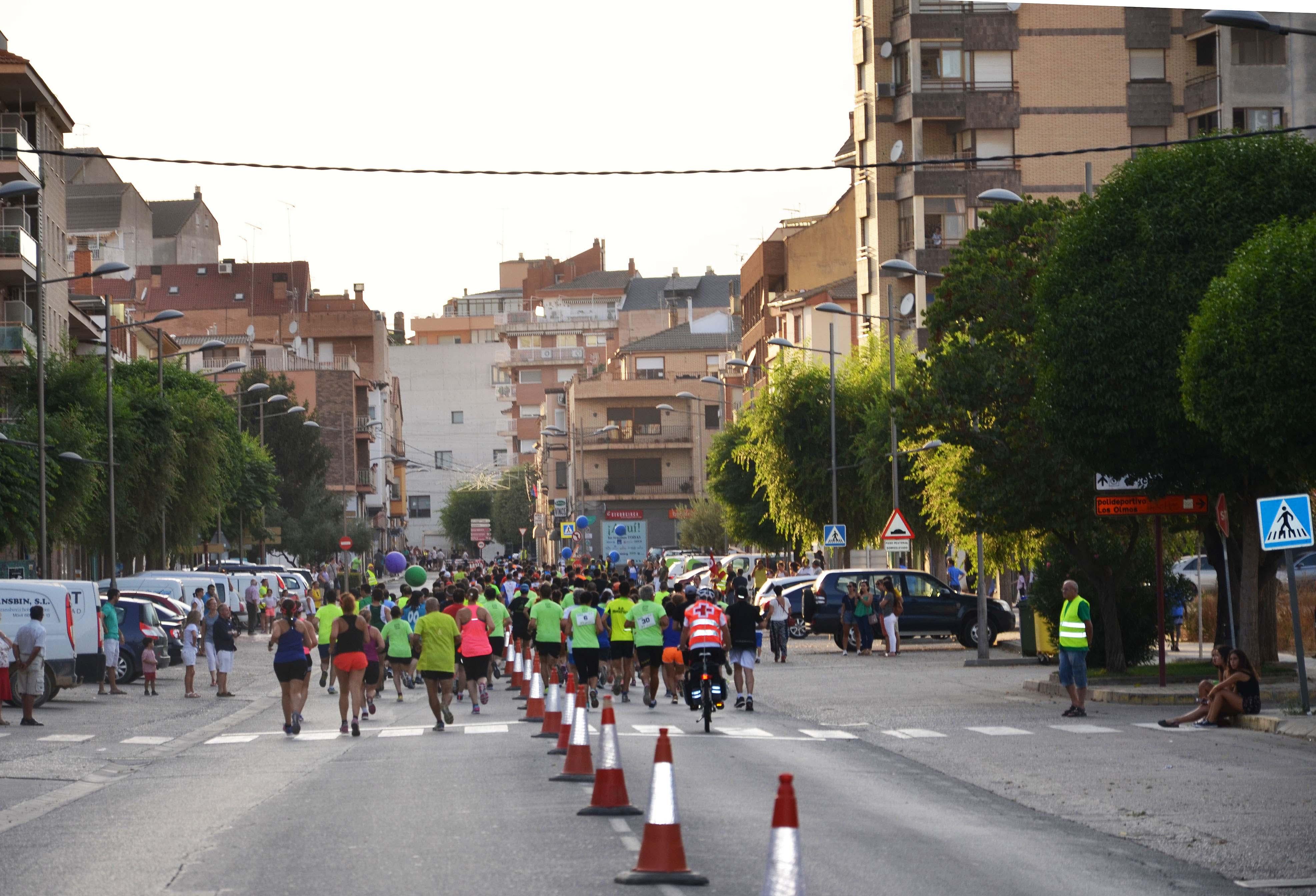 Doscientos atletas en la fiesta del deporte en Binéfar